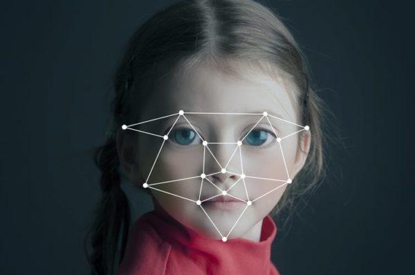 New autism early detection technique analyzes how children scan faces